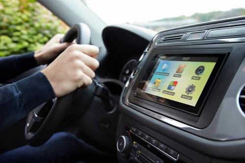 tableta-android-in-autoturism